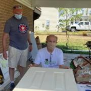 2 Volunteers working